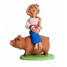 Статуэтка Казачка сидит на свинье